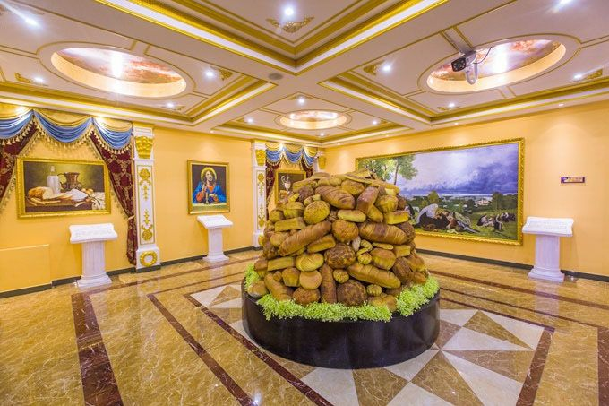 Russian_bread-themed_cultural_museum_02